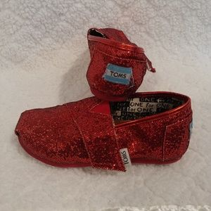 ❤Girls size 9 TOMS shoes❤